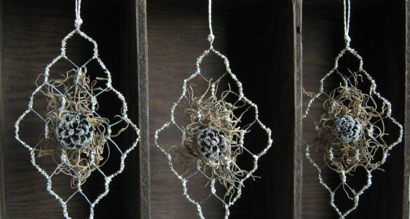 Magia Mia Chicken Wire German Glass Glitter Tree Ornament