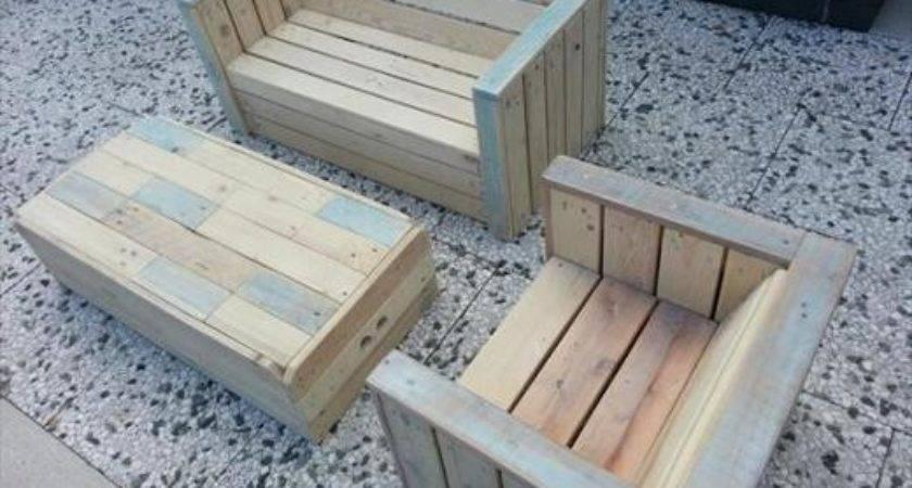 Make Furniture Out Pallets