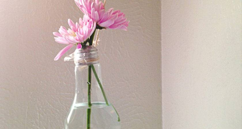 Make Lightbulb Vase