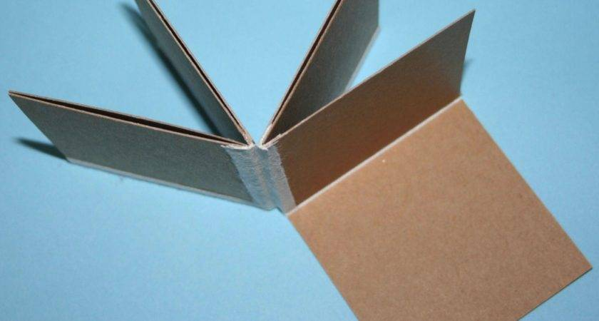 Mcloughlin Folding Doll House Vpdjn