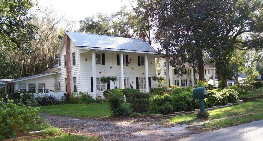 Middleburg Historic Homes Within