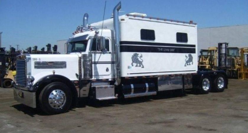 Mobile Home Semi Truck