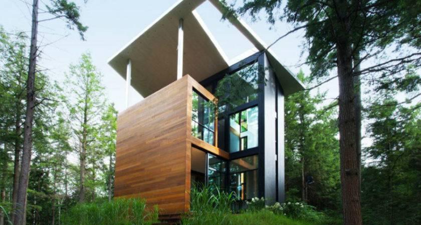 Modernist House Quebec Looks Like Tower