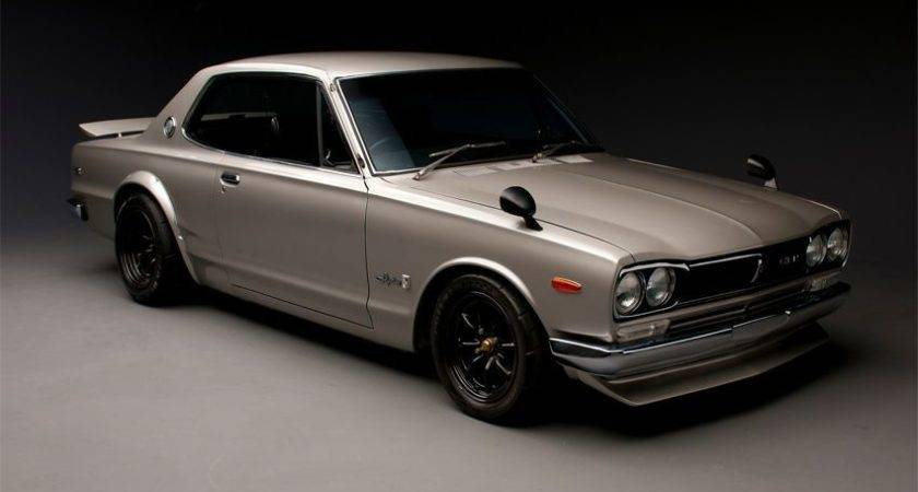 Nissan Skyline Front Three Quarters