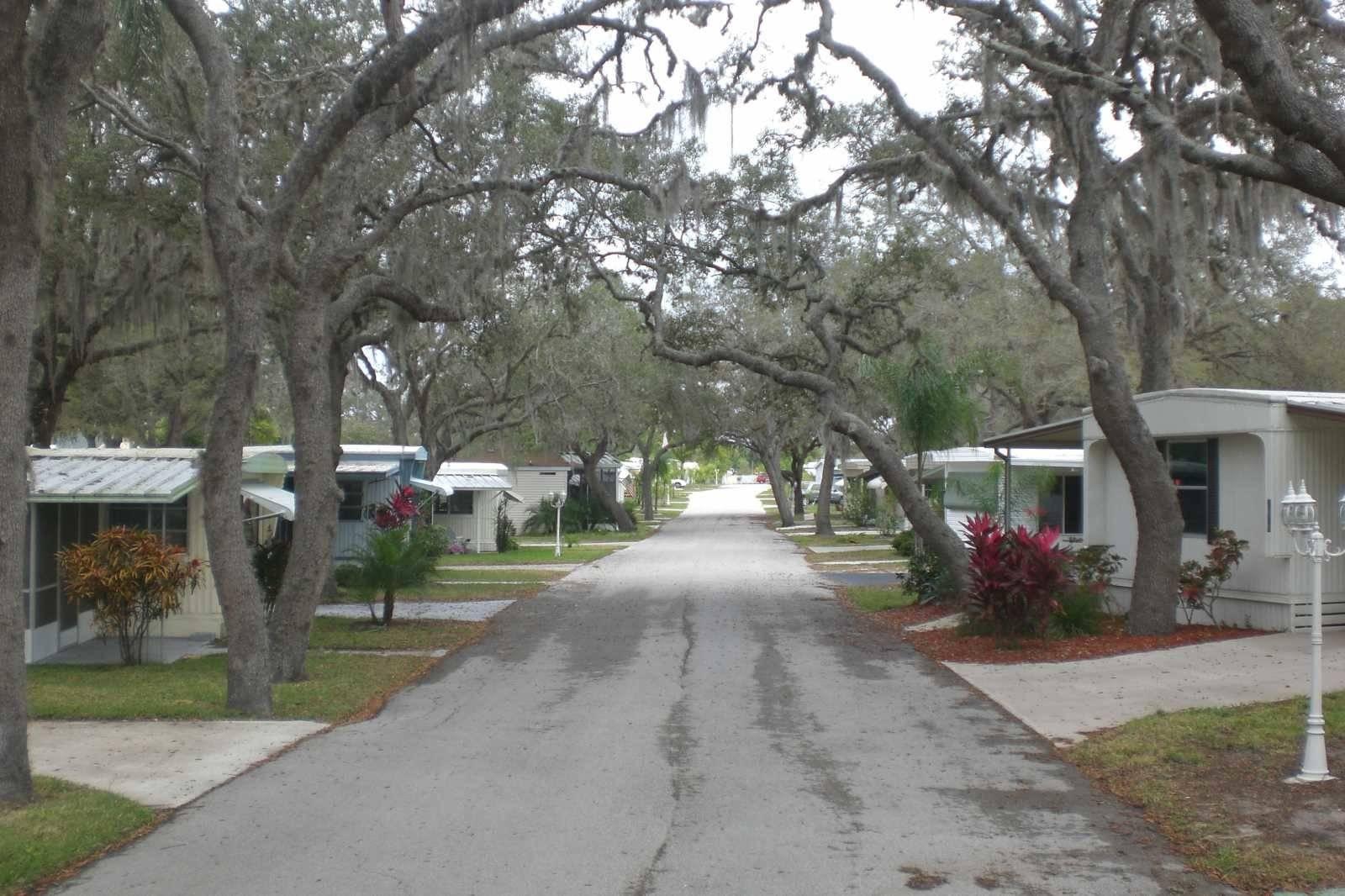 Oakridge Mobile Home Park Sebring - Get in The Trailer