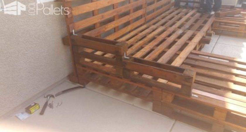 Outdoor Pallet Daybed Pallets
