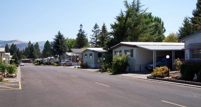 Pacific Village Mobile Manor