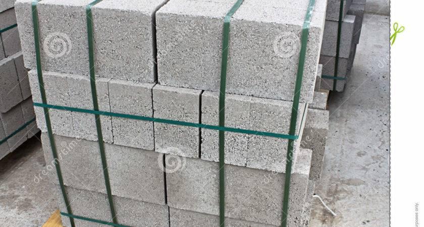 Pallet Breeze Blocks