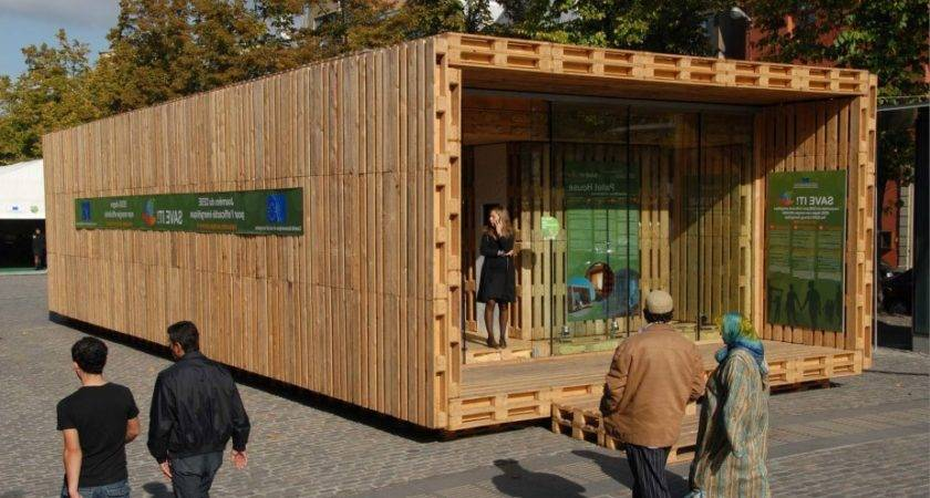 Pallet House Gregor Pils Andreas Claus Schnetzer