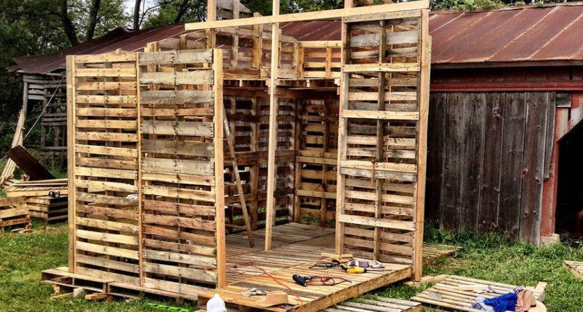 Pallet House Tiny Swoon