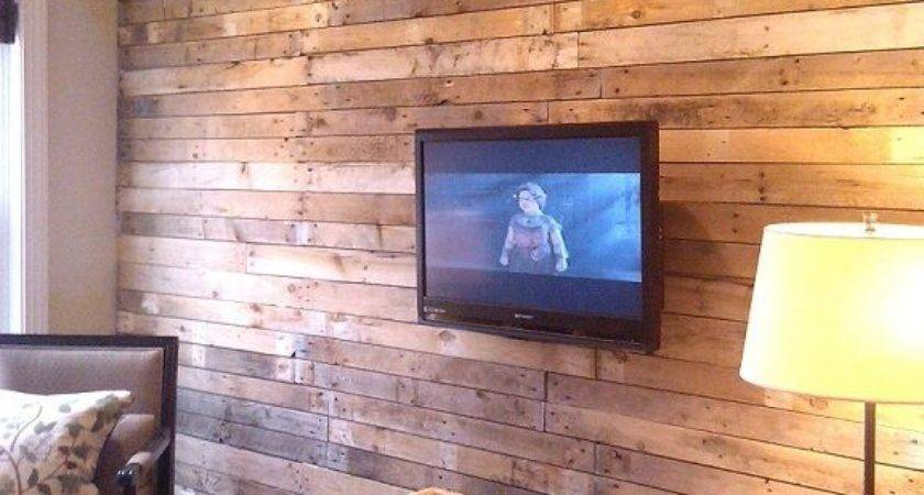 Pallet Wall Upcycle