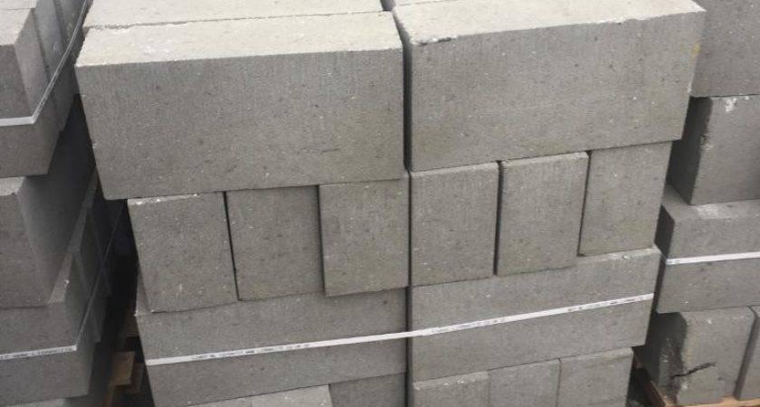 Pallets Concrete Blocks Pallet Off Ballast