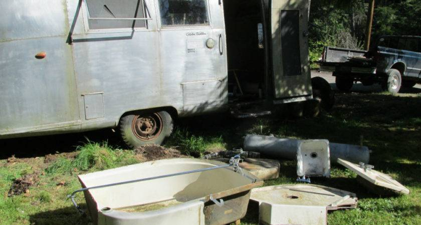 Parts Only Airstream Globetrotter Caravan