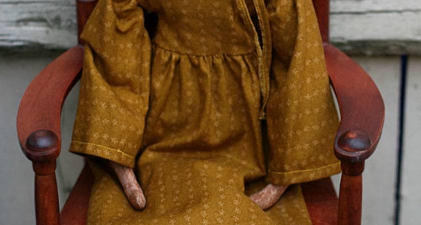 Primitive Folk Art Dolls Old World
