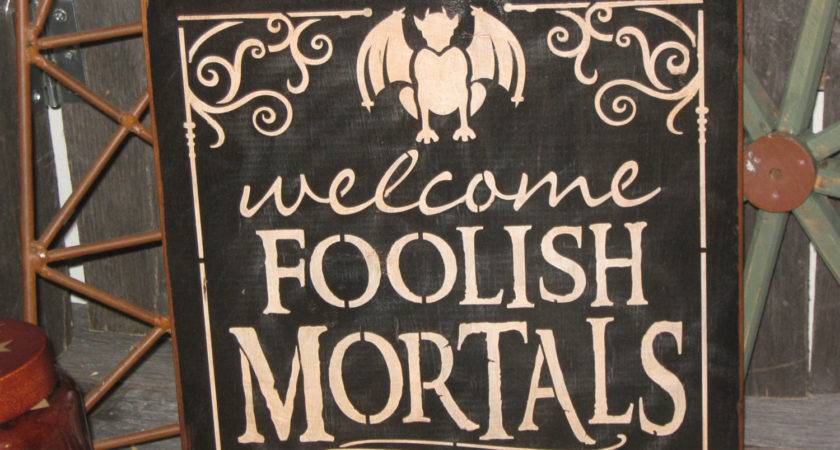 Primitive Wood Holiday Halloween Sign Welcome