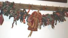 Primitives Above Primitive Dolls Garland