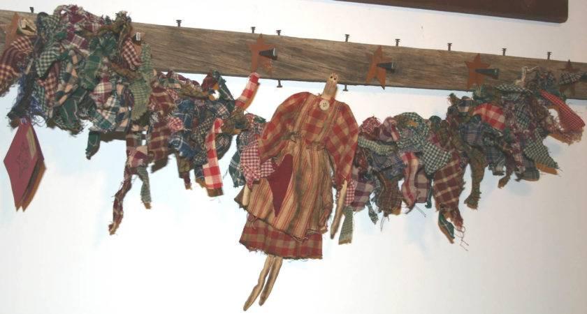 Primitives Above Primitive Dolls Garland