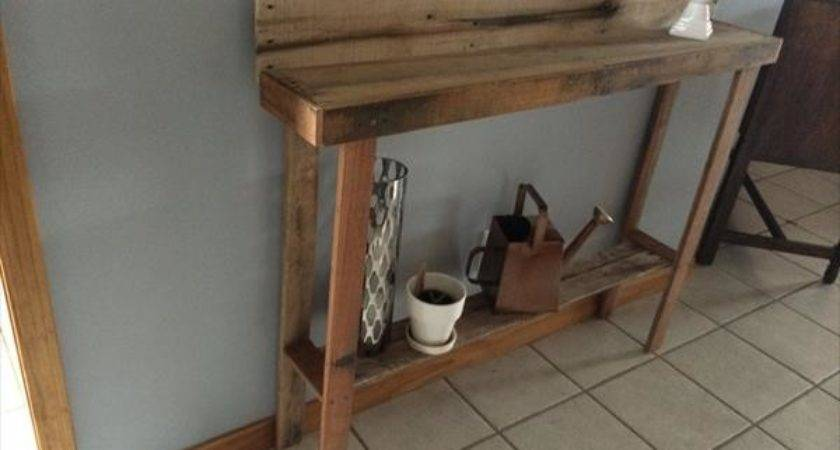 Recycled Pallet Entryway Table Furniture Plans