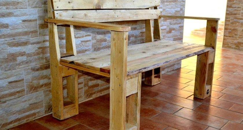 Remarkable Furniture Designs Made Recycled Pallet Wood