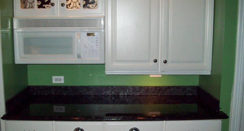 Remodelaholic Painted Formica Countertop