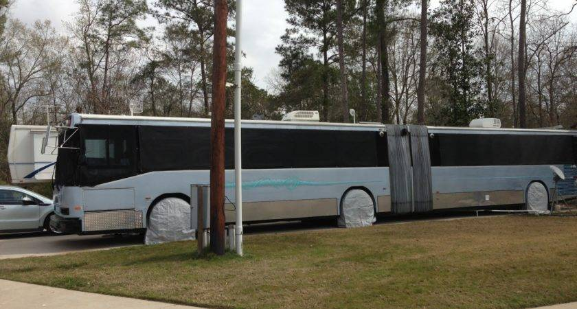 Rosey Willy Travel Slinky Bus Conversion