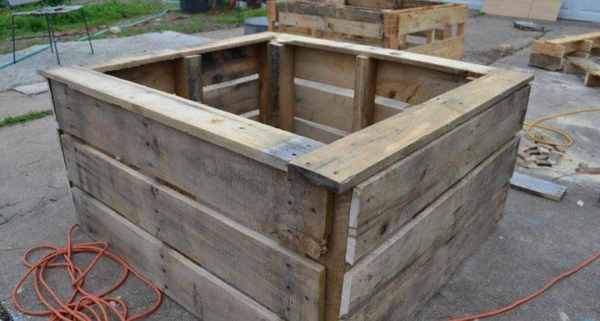 Salvaged Pallet Bed Construction Food Project