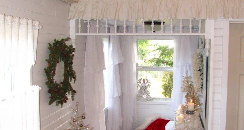 Shabby Chic Tiny Retreat Santa Stopped