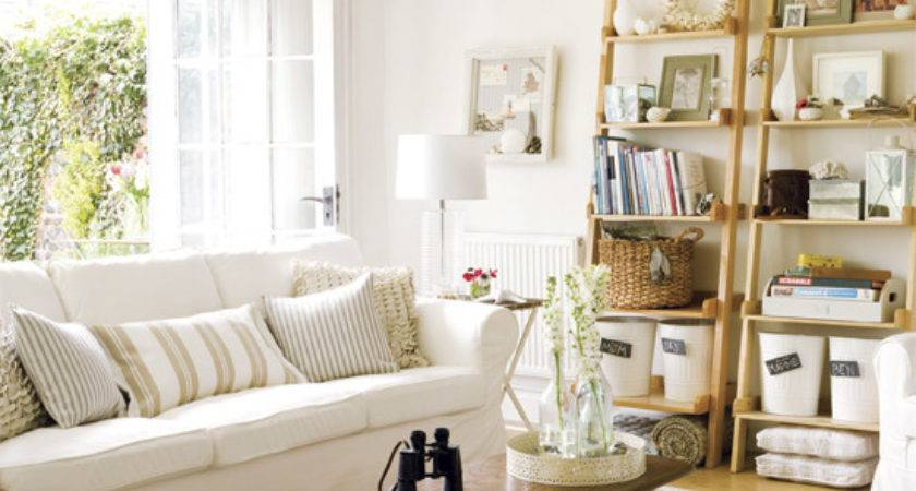 Simple Touches Bring Cottage Style Decor Into Your Home