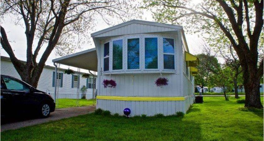 Single Wide Goes Retro Affordable Mobile Home