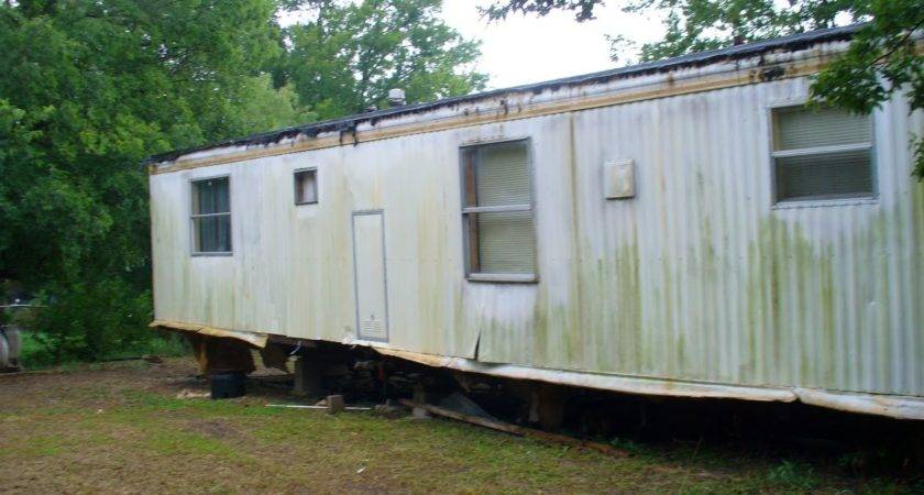 Skirting Mobile Homes