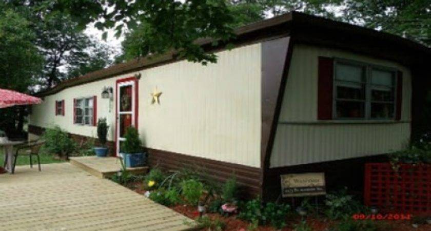Spray Paint Your Mobile Home Siding