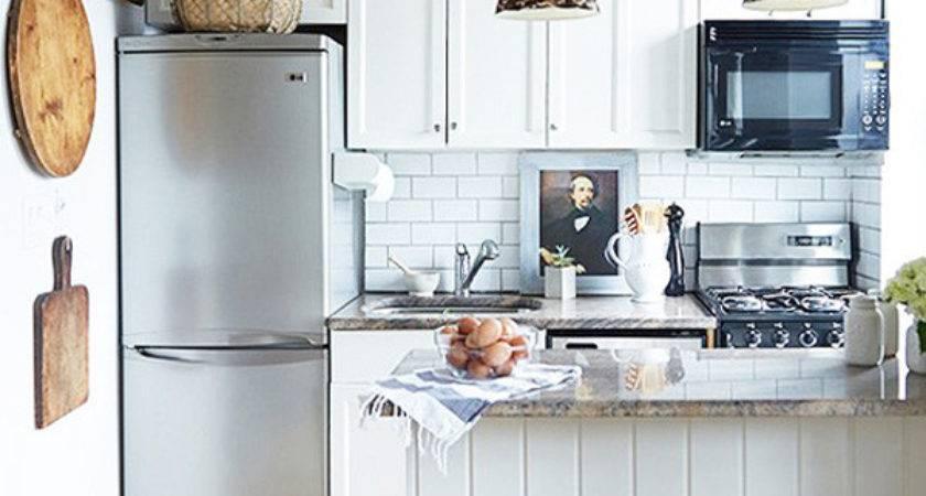 Stylish Ideas Decorating Above Kitchen Cabinets