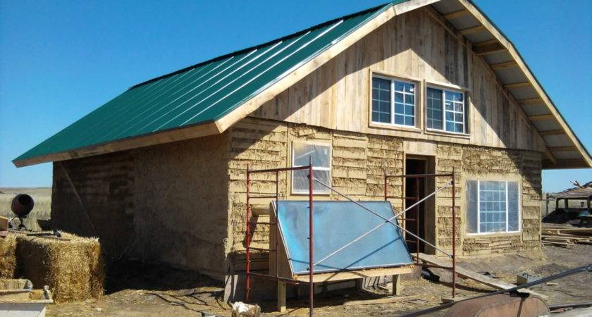Texas Natural Builders Pallet House Love Cob