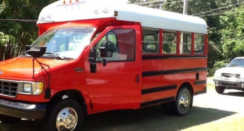 Tiny House Talk Woman Turns School Bus Into Diy