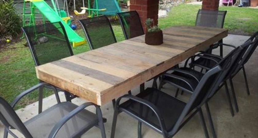 Uses Pallets Outdoor Table Designs