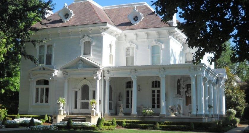 Victorian Wanna Historic Illinois Town