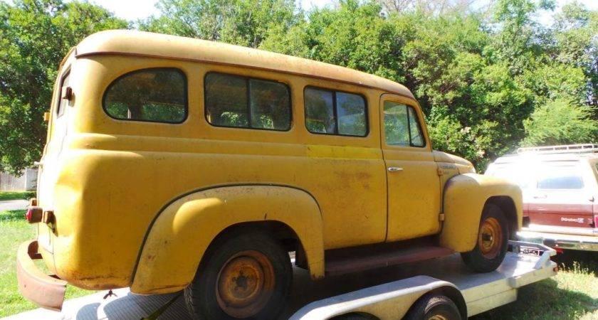 Vintage School Bus Ambulance Sight Seeing Tour