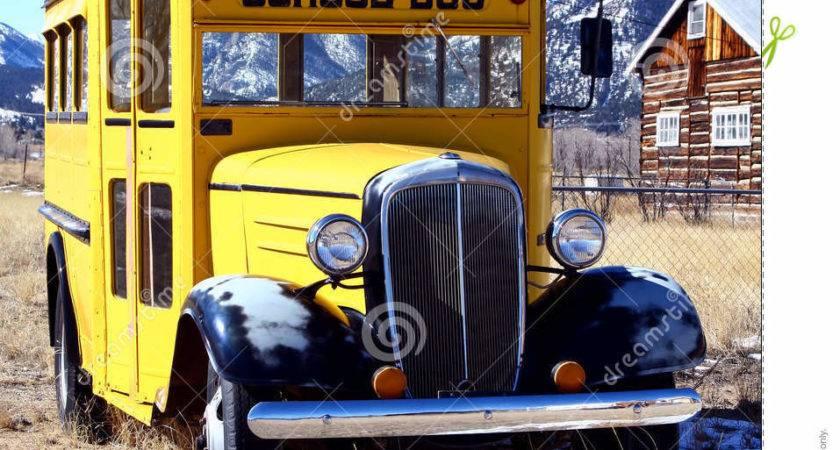 Vintage School Bus Auto Grunge