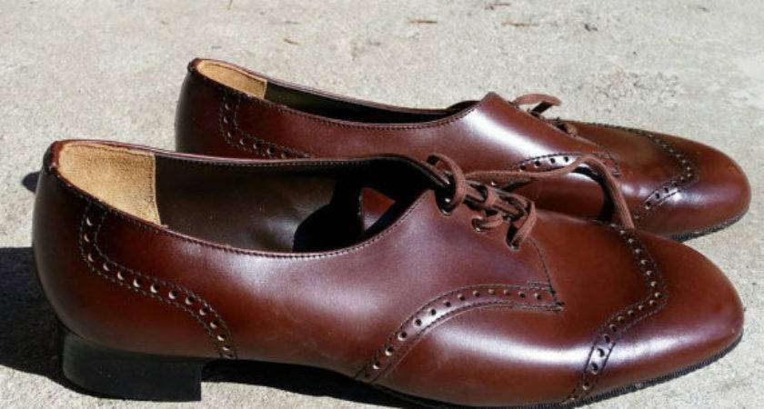 Vintage Vagabond Brown Brogue Lace New Old
