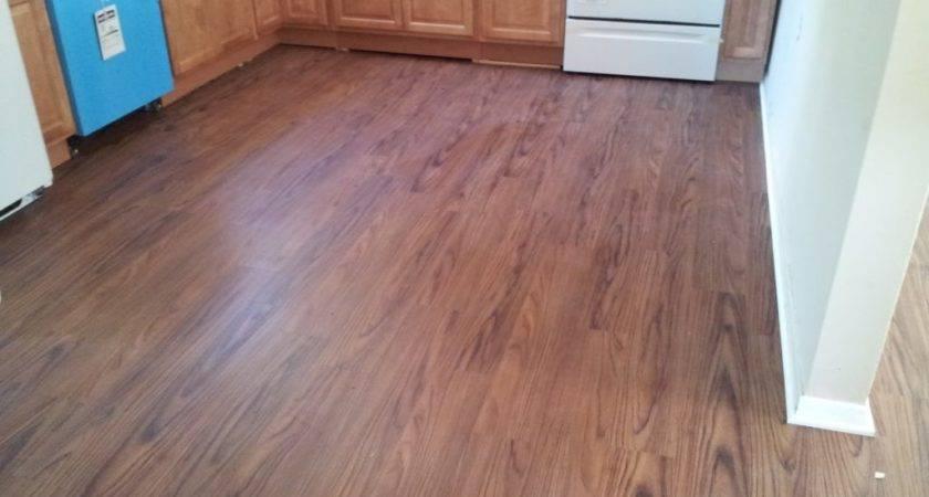 Vinyl Flooring Looks Like Wood Kitchen
